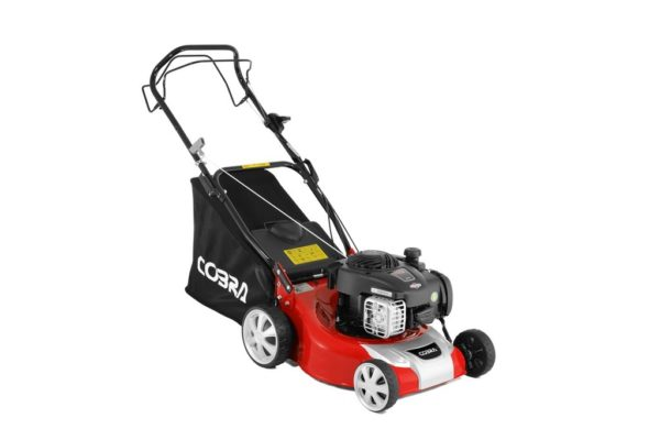 "Cobra M40SPB 16"" petrol lawnmower"